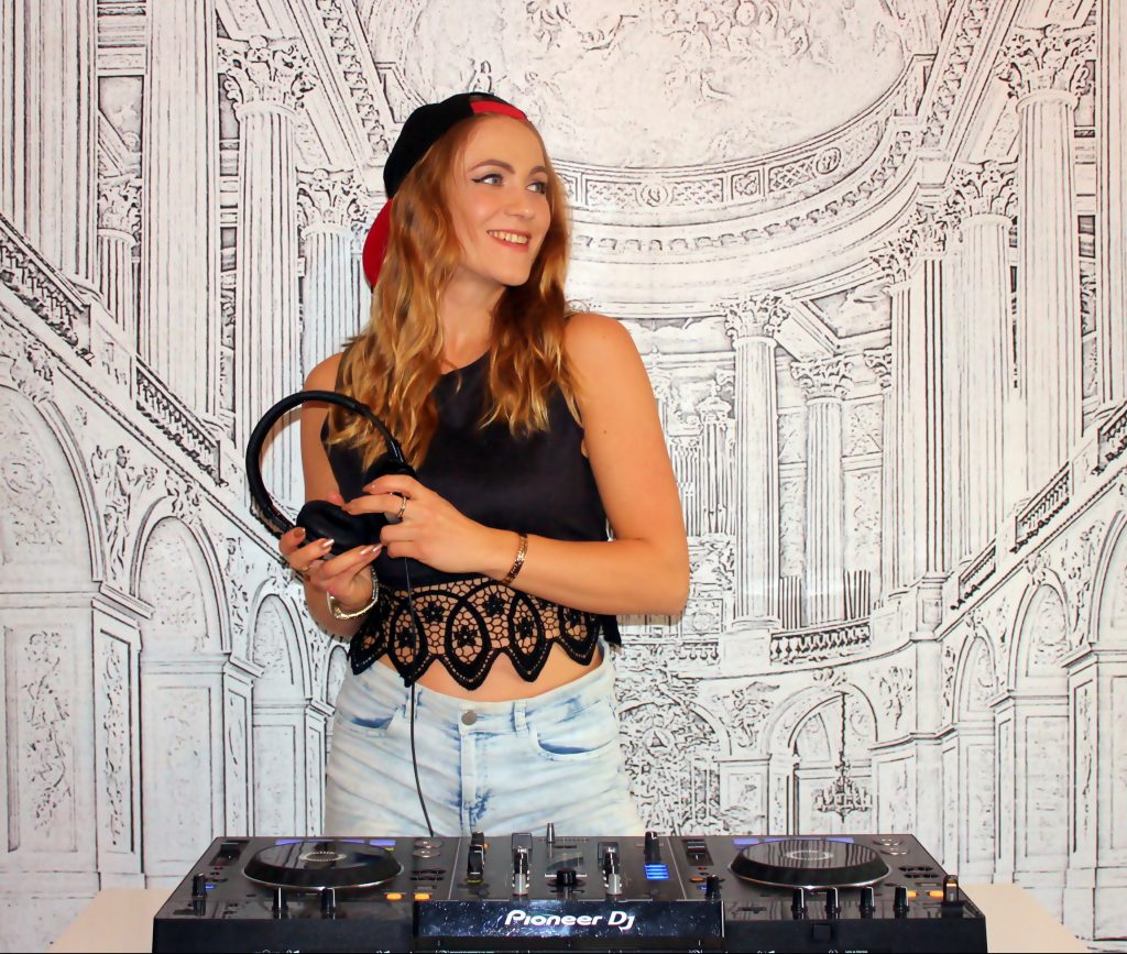 Mira Falkenstein DJ DJane