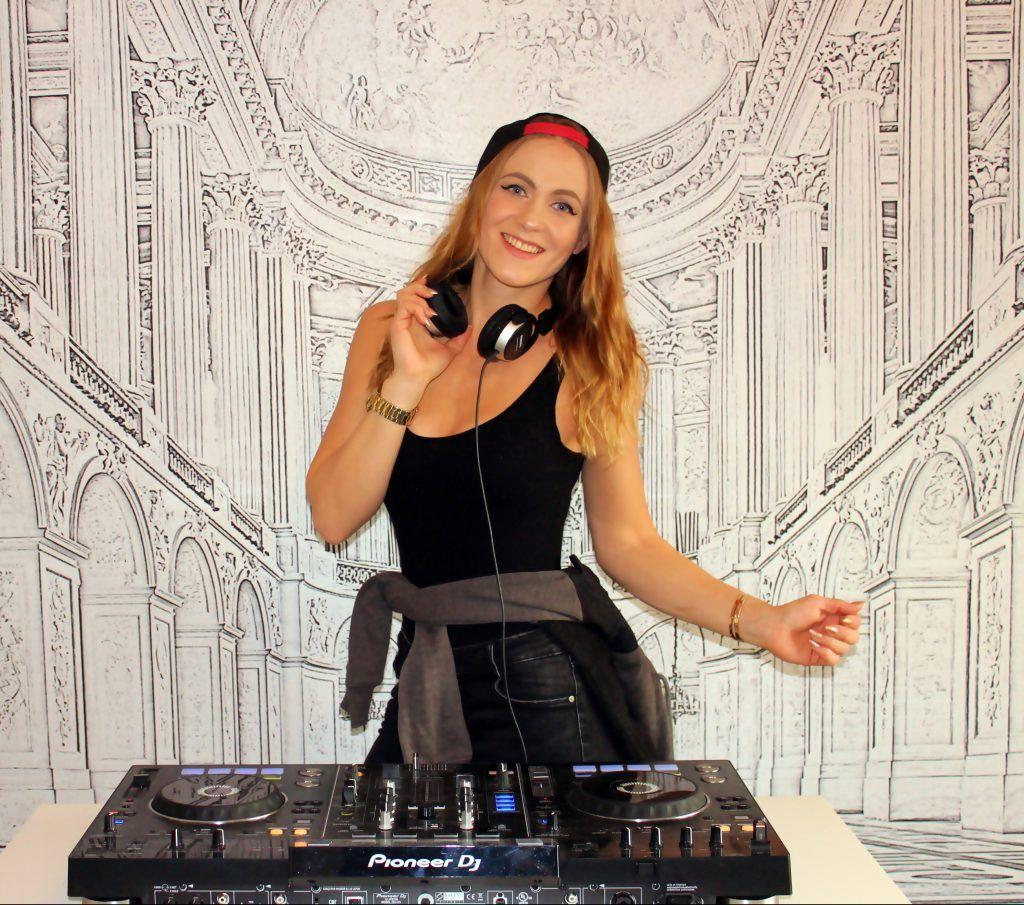 DJ DJane Mira Falkenstein